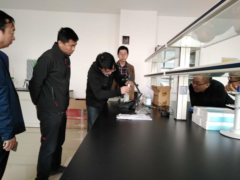 腾友科技公司组织进口设备安装调试